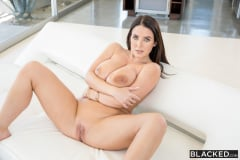 Angela White - Unexpected Sex | Picture (3)